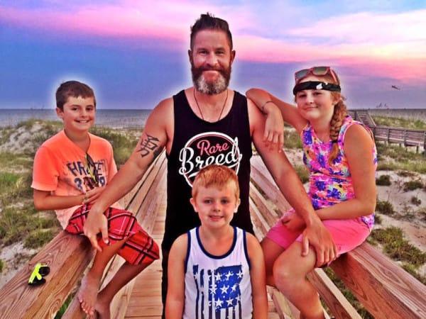 divorced parents son helps single mother