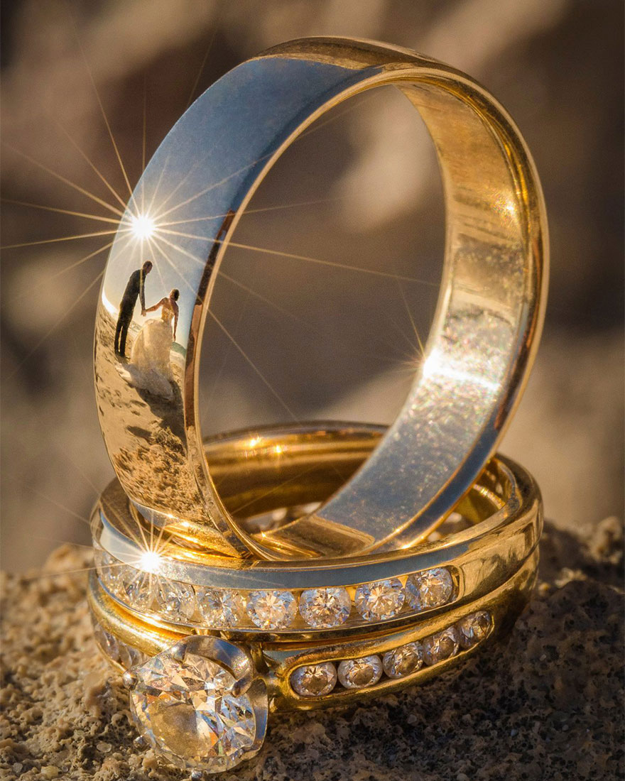 ring reflection wedding photography