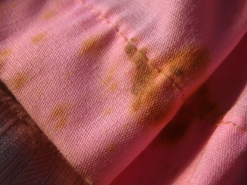 wash clothes with white vinegar