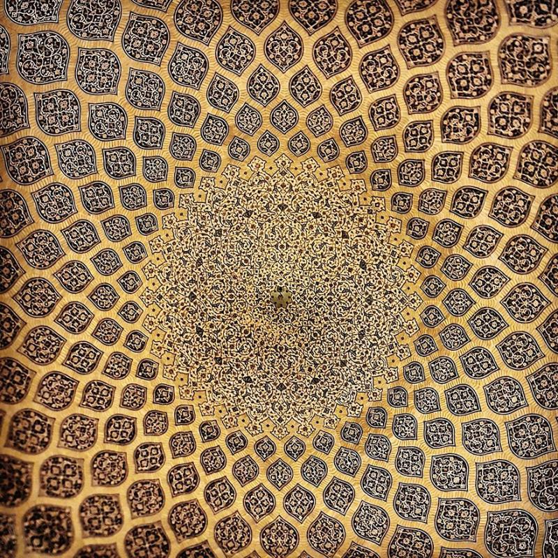 hypnotizing art of mosque's ceiling 10