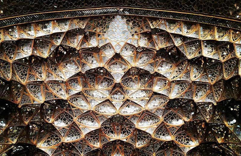 hypnotizing art of mosque's ceiling 11