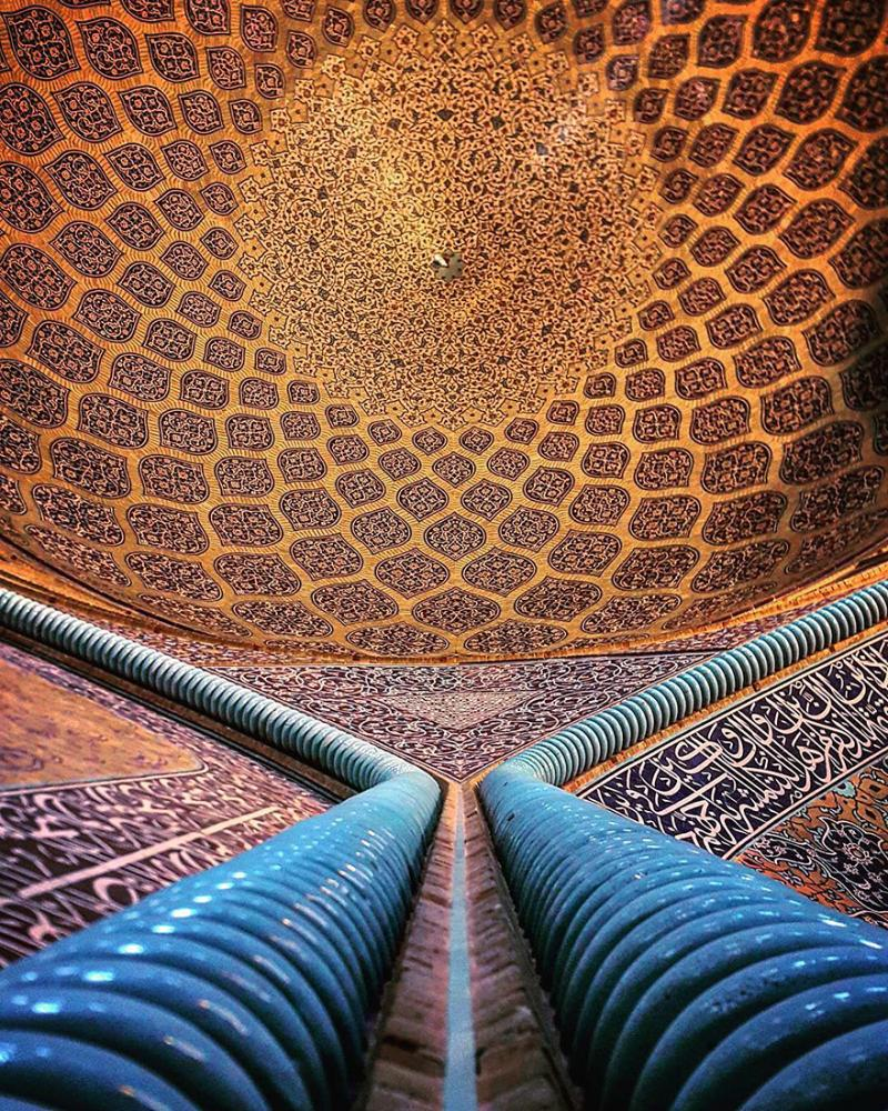 hypnotizing art of mosque's ceiling 14