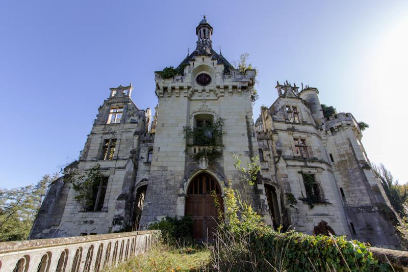 preservationists save forgotten castle 4