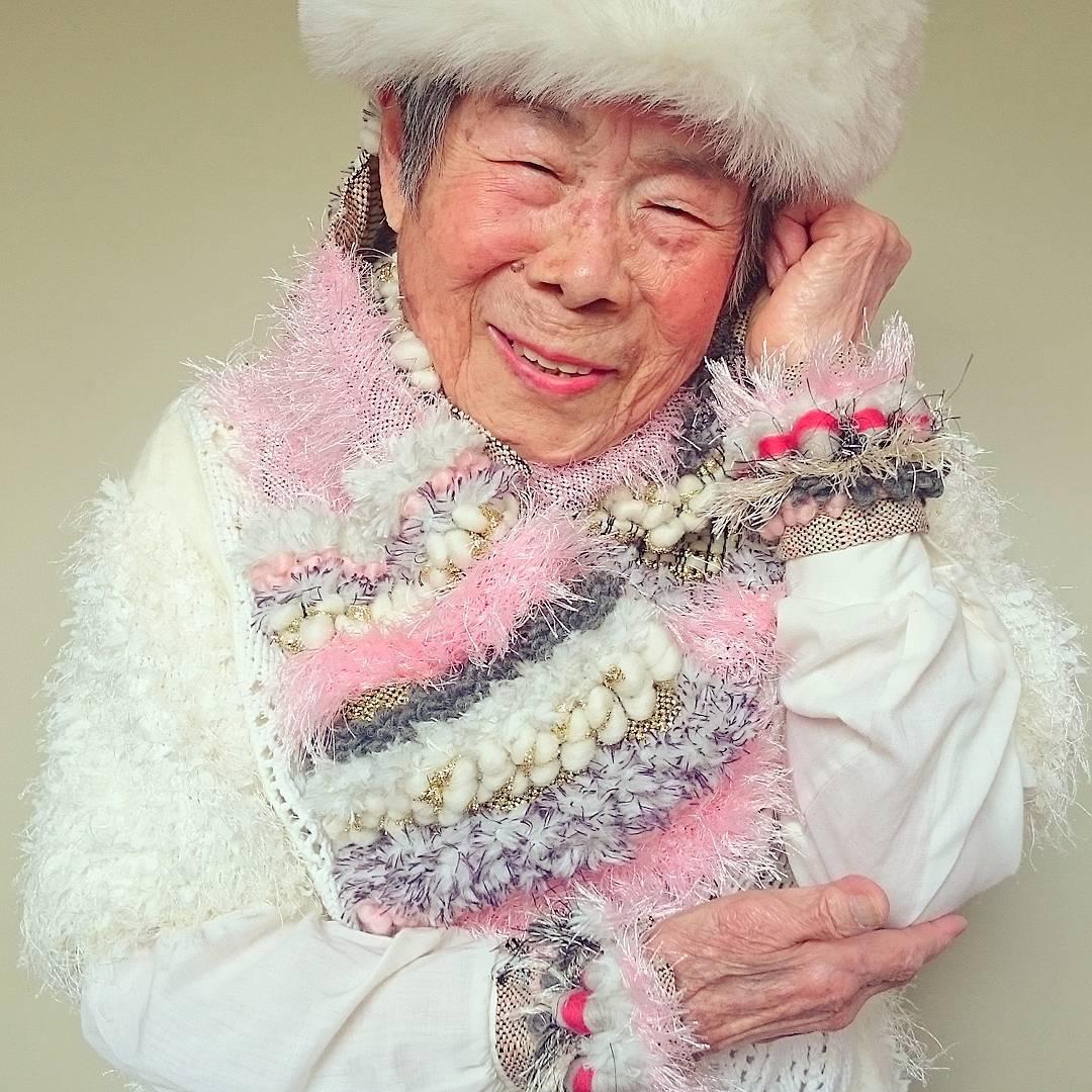 grandmother models granddaughter clothes 6
