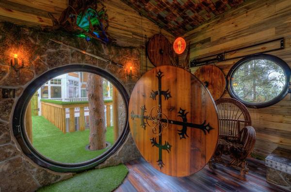 hobbit-themed treehouse 1
