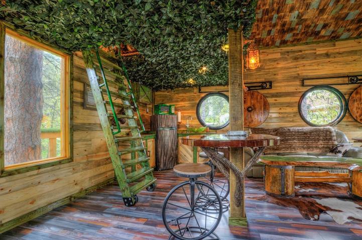 hobbit-themed treehouse 11