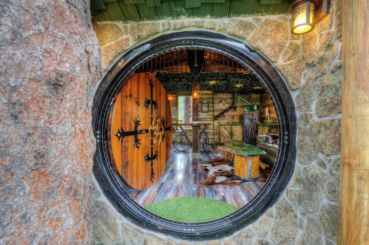 hobbit-themed treehouse 12