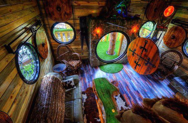 hobbit-themed treehouse 3
