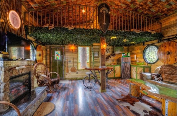 hobbit-themed treehouse 4