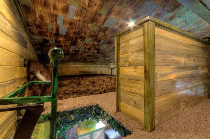 hobbit-themed treehouse 9
