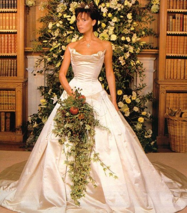 iconic wedding dresses 10
