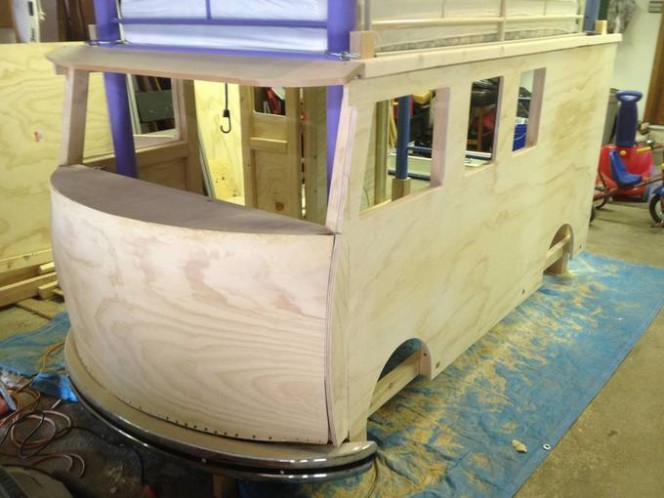 DIY bus bunk bed10