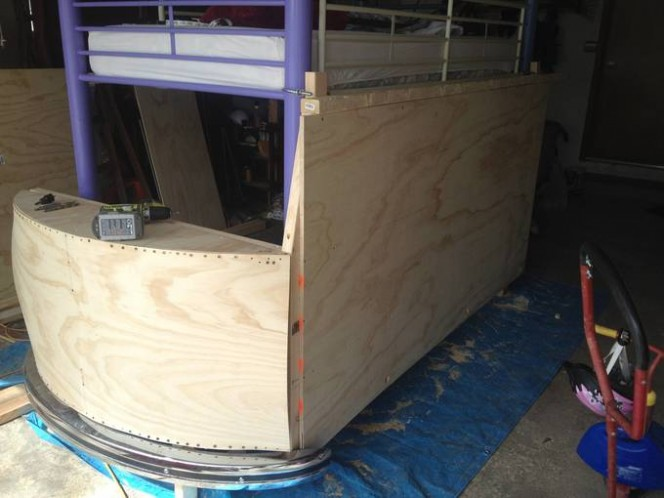 DIY bus bunk bed7
