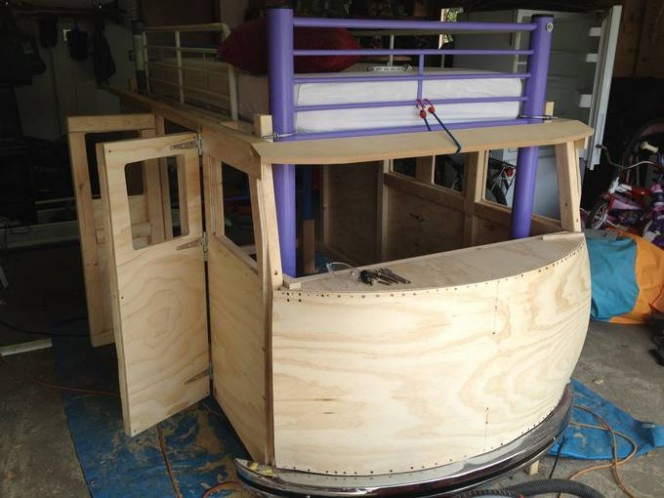 DIY bus bunk bed8