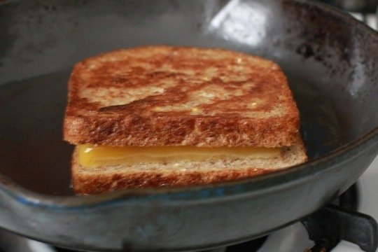 Grilled cheese sandwich4