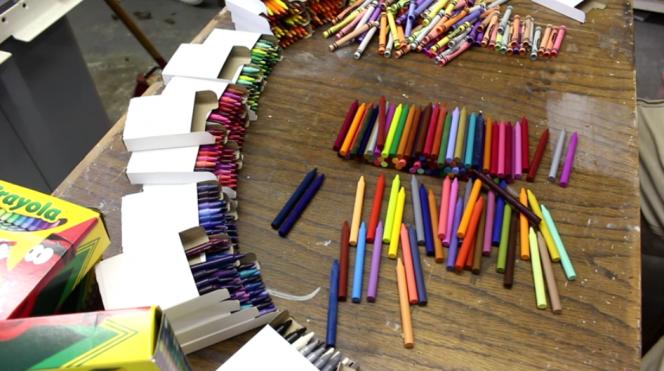 Rainbow crayon vase1