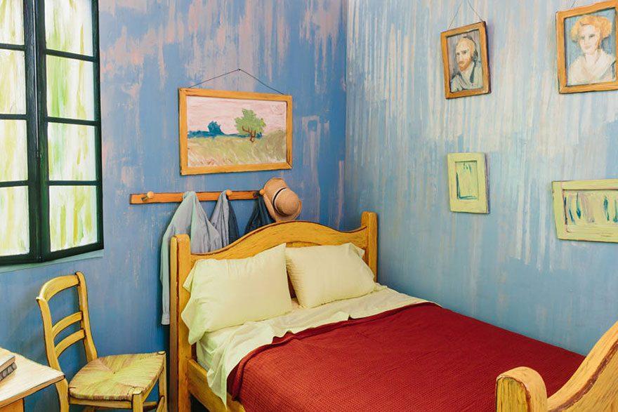 artists recreate Van Gogh's iconic bedroom 4