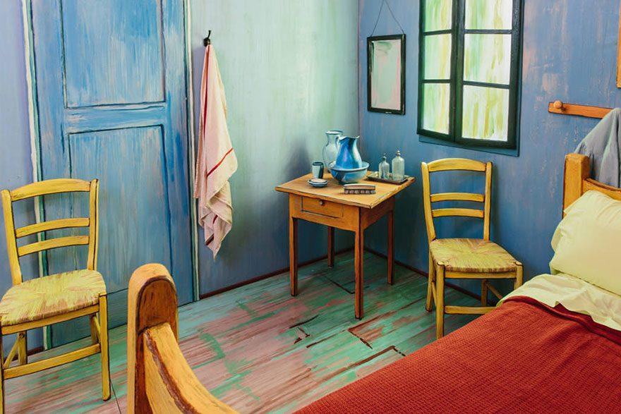 artists recreate Van Gogh's iconic bedroom 6