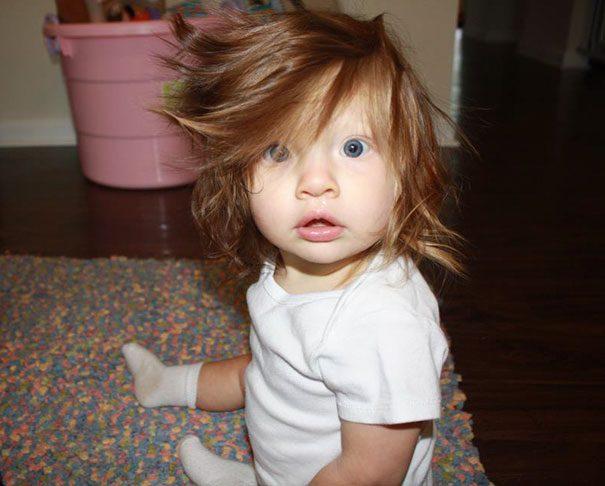 babies born with full hair2