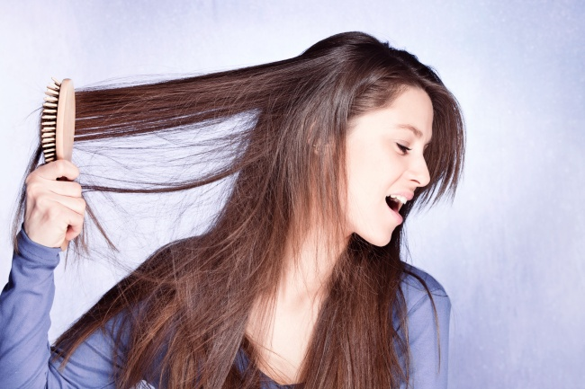 mistakes to avoid in hair care 7