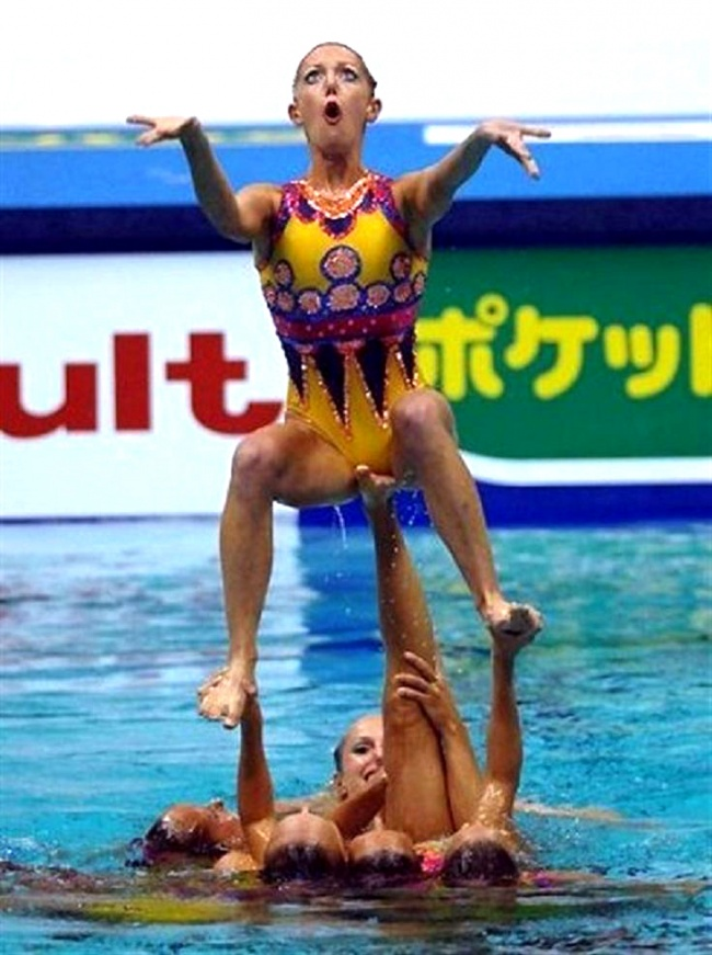 synchronized swimmers' faces 3