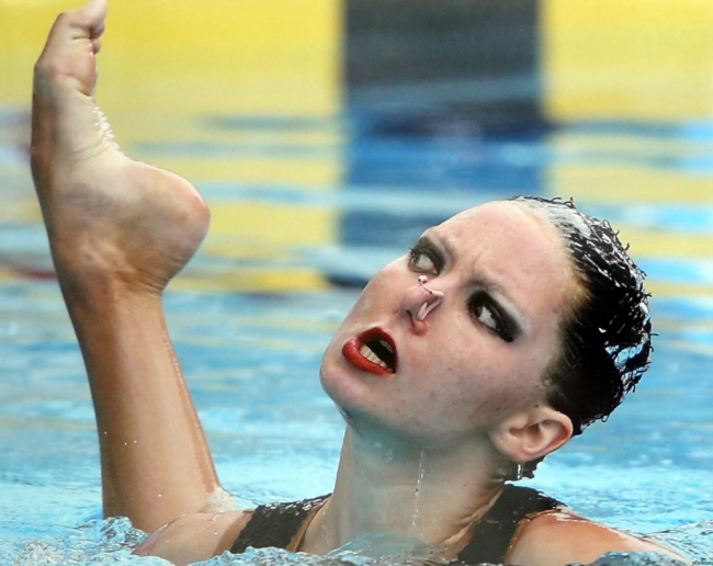 synchronized swimmers' faces 5