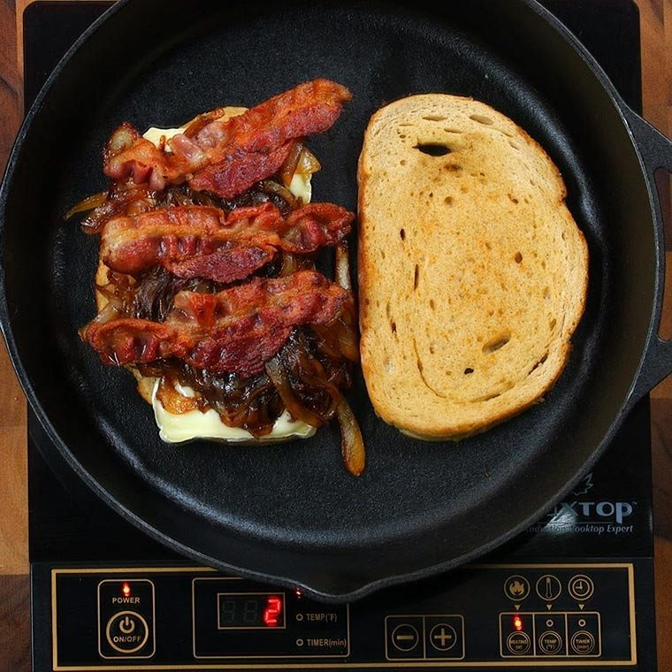 bacon-and-brie-grilled-cheese3