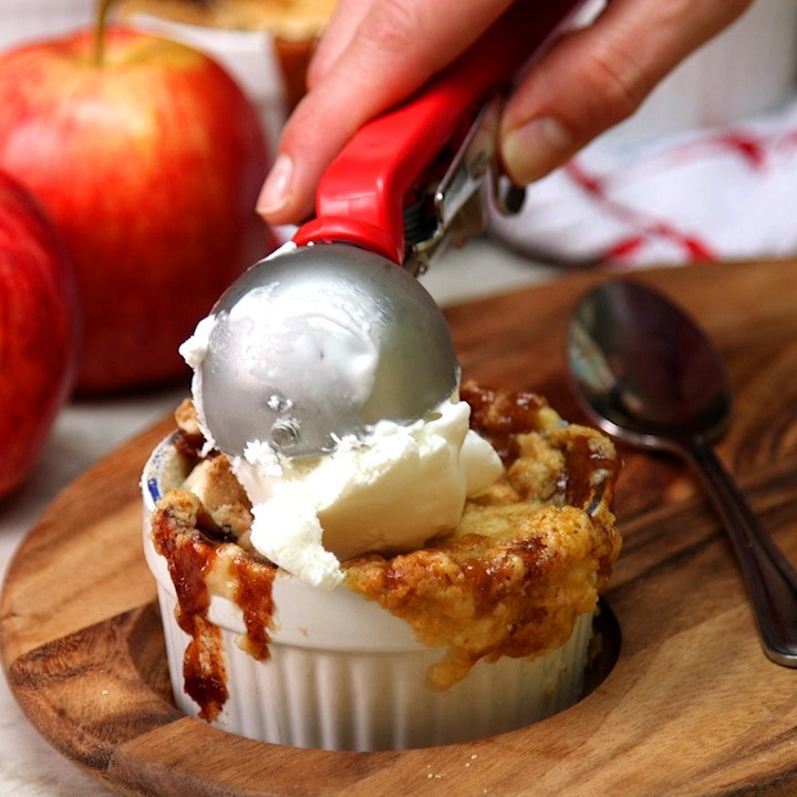 Caramel Apple Dump Cakes6
