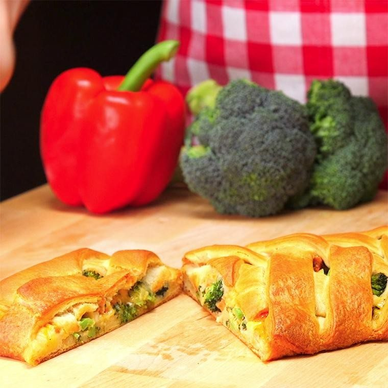chicken-and-broccoli-braid1