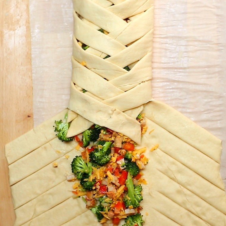 chicken-and-broccoli-braid3