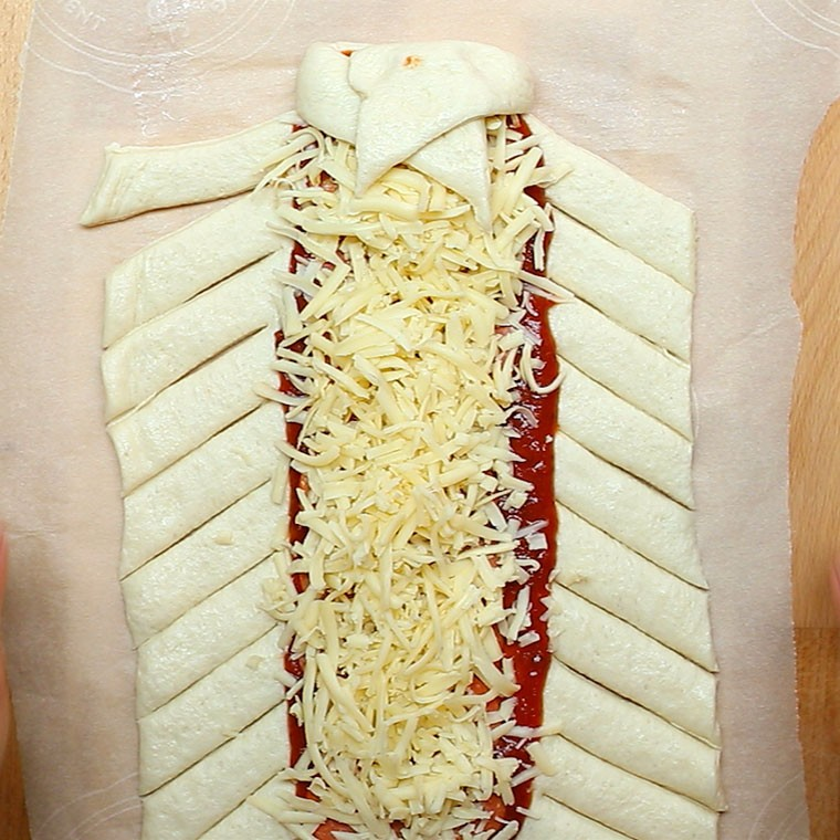 Pizza Braid4