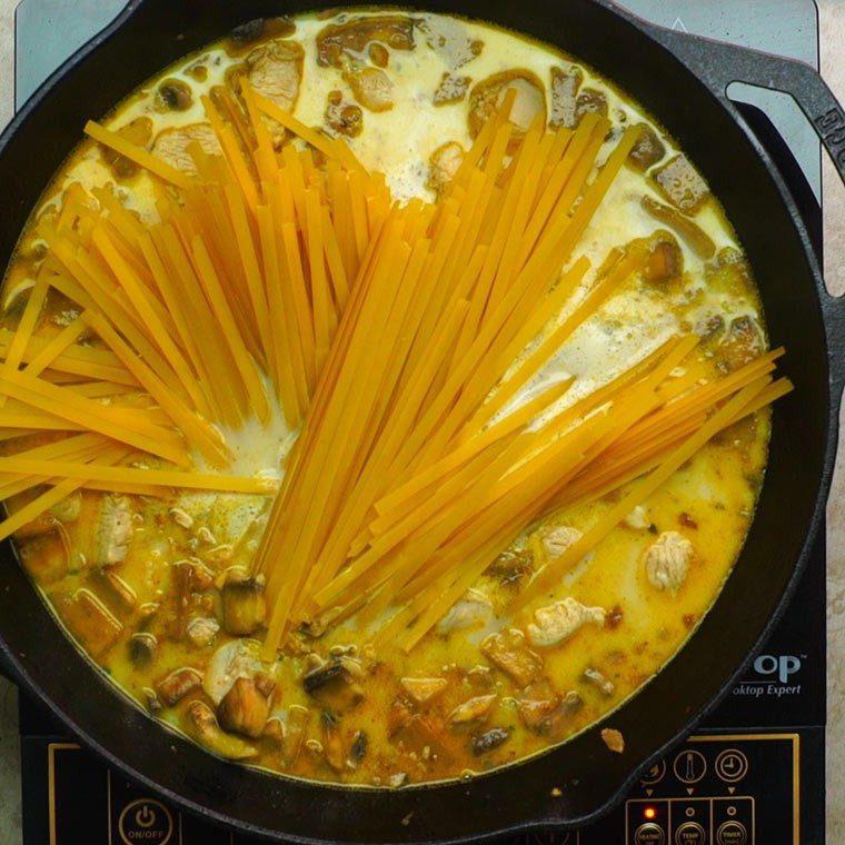 one-pan-cajun-chicken-alfredo5