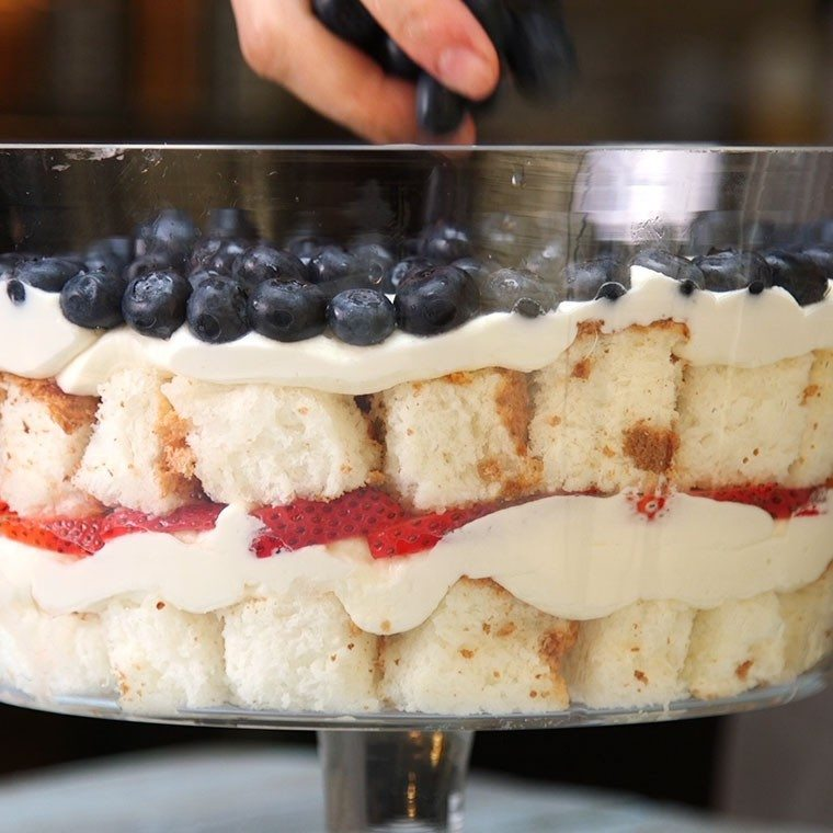 strawberry-blueberry-trifle5