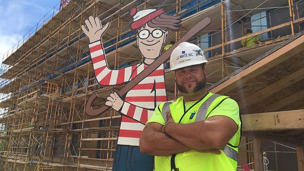 waldo-in-construction-site2