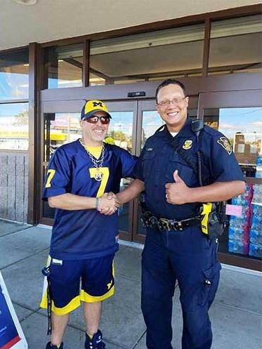 officer helping homeless veterans