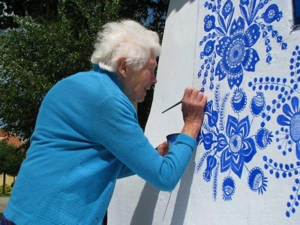 grandma paints neighborhood houses