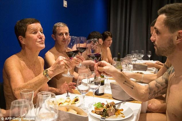 paris opens nudist restaurant