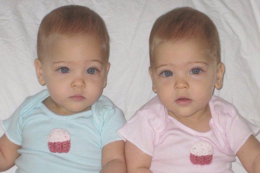 identical twins most beautiful girls