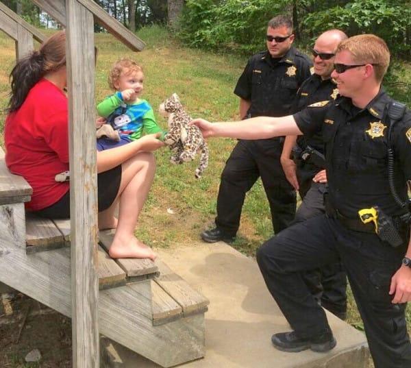 cop teaches autistic boy pushups