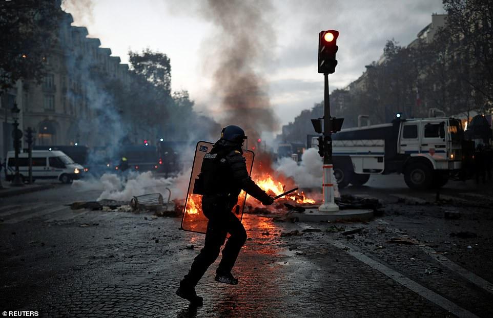 Paris fuel tax protest