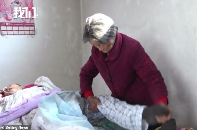 chinese man wakes up from 12-year coma